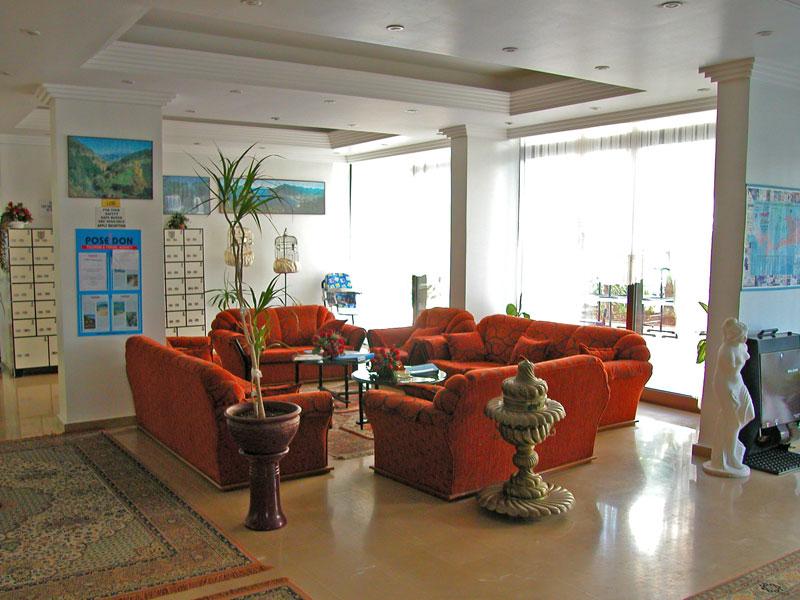 лобби отеля Palm Beach