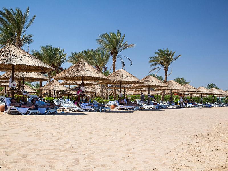 пляж отеля Maritim Jolie Ville Resort & Casino