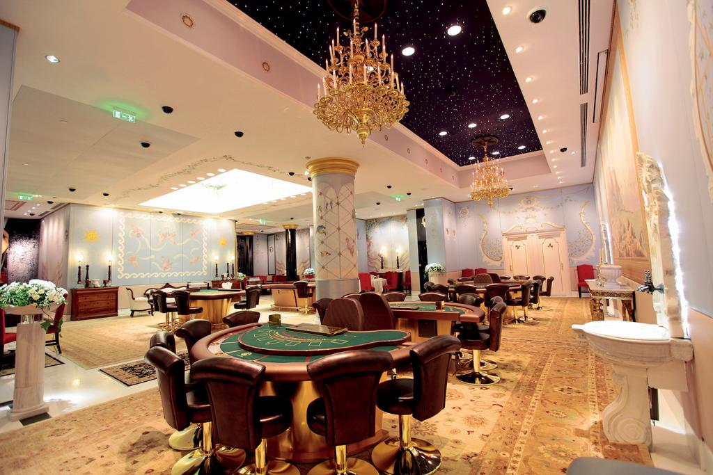 казино отеля Club & Casino Loutraki