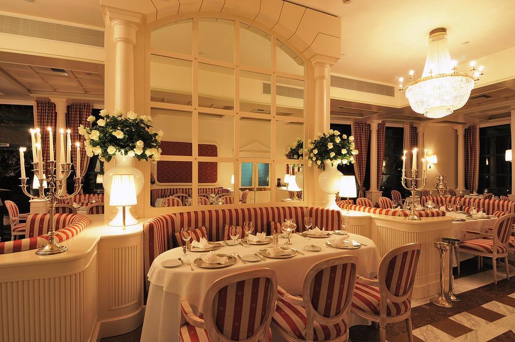 ресторан отеля Club & Casino Loutraki