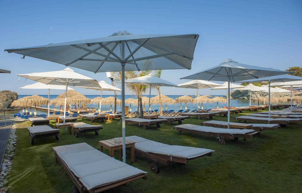 пляж отеля Eden Beach Resort