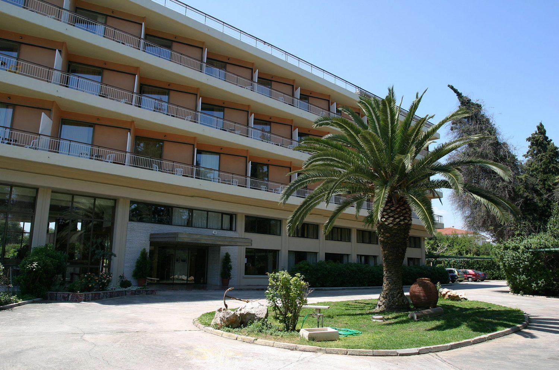 корпус отеля Kalamaki Beach