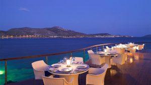 ресторан отеля Grand Resort Lagonissi