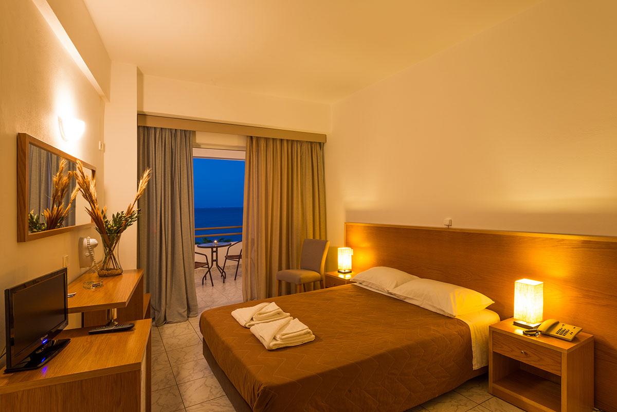 номер отеля Niforeika Beach Hotel & Bungalows