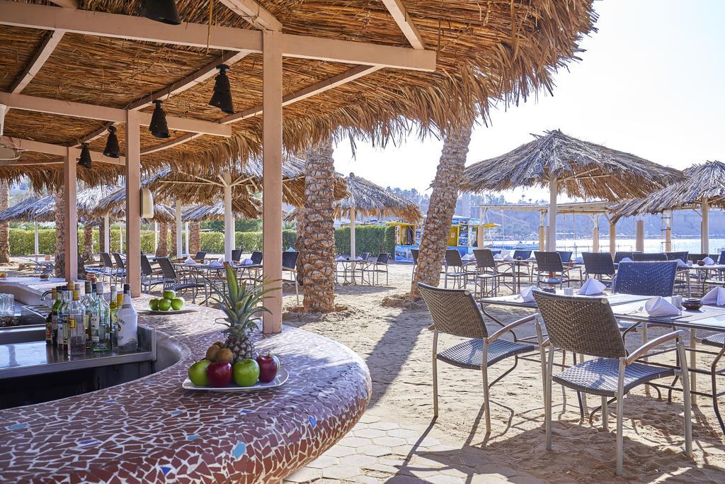 бар на пляже отеля Iberotel Palace