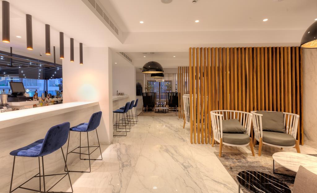 бар отеля The Blue Ivy Hotel & Suites