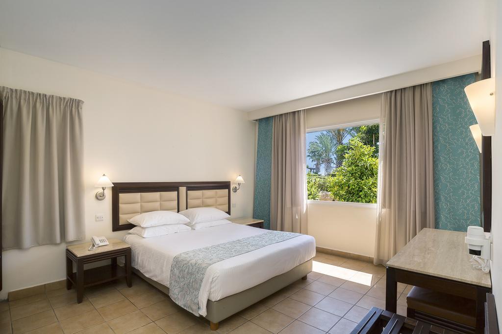 номер отеля Avanti Holiday Village 4*