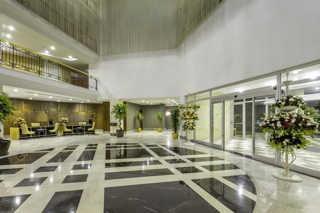 холл отеля Rixos Beldibi