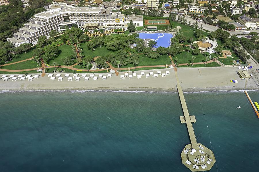 пляж и пирс отеля Rixos Beldibi