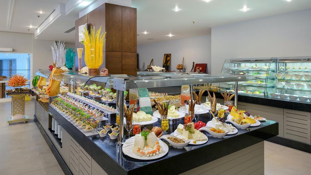 главный ресторан отеля TUI FUN&SUN Miarosa Ghazal Resort