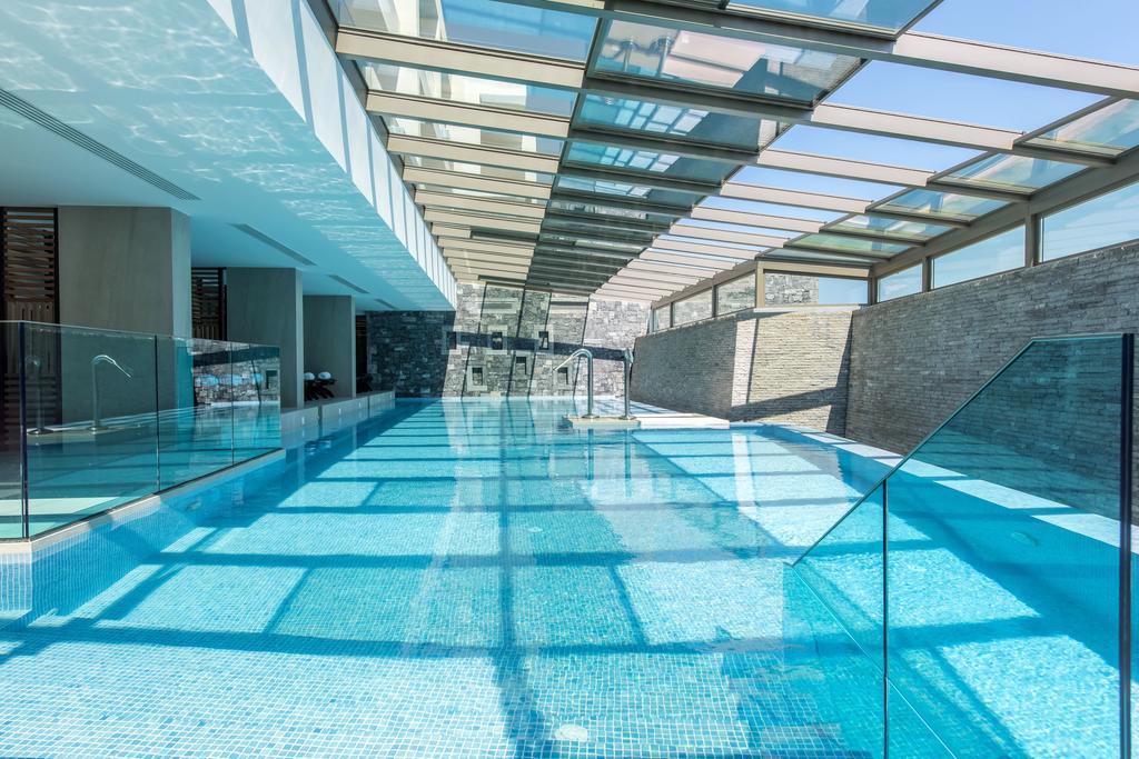крытый бассейн отеля Nana Princess Suites Villas & Spa
