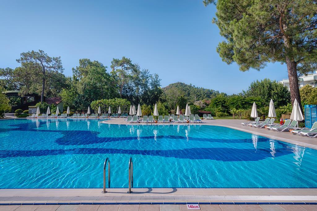 бассейн отеля TUI FUN&SUN Miarosa Ghazal Resort