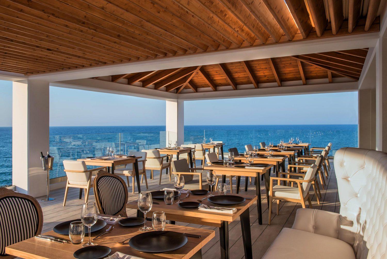 ресторан отеля Abaton Island Resort & Spa