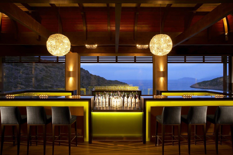 бар отеля Daios Cove Luxury Resort & Villas