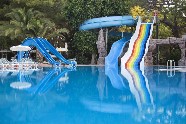 водные горки отеля TUI FUN&SUN Club Saphire