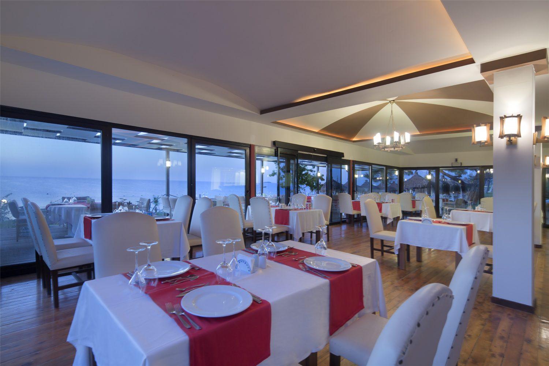 ресторан отеля TUI FUN&SUN Club Saphire