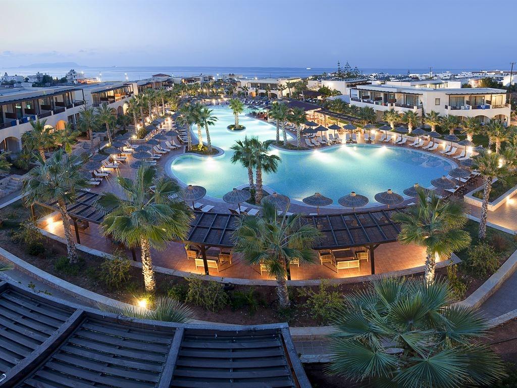 территория отеля Stella Palace Resort & Spa