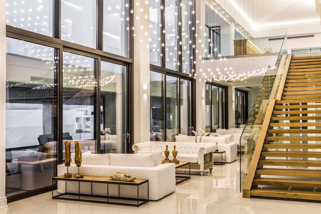 лобби отеля Abaton Island Resort & Spa