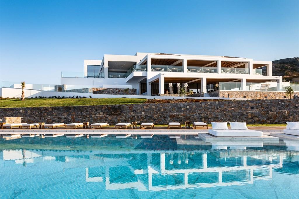 бассейн отеля Abaton Island Resort & Spa