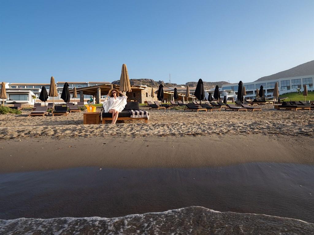 пляж отеля Abaton Island Resort & Spa