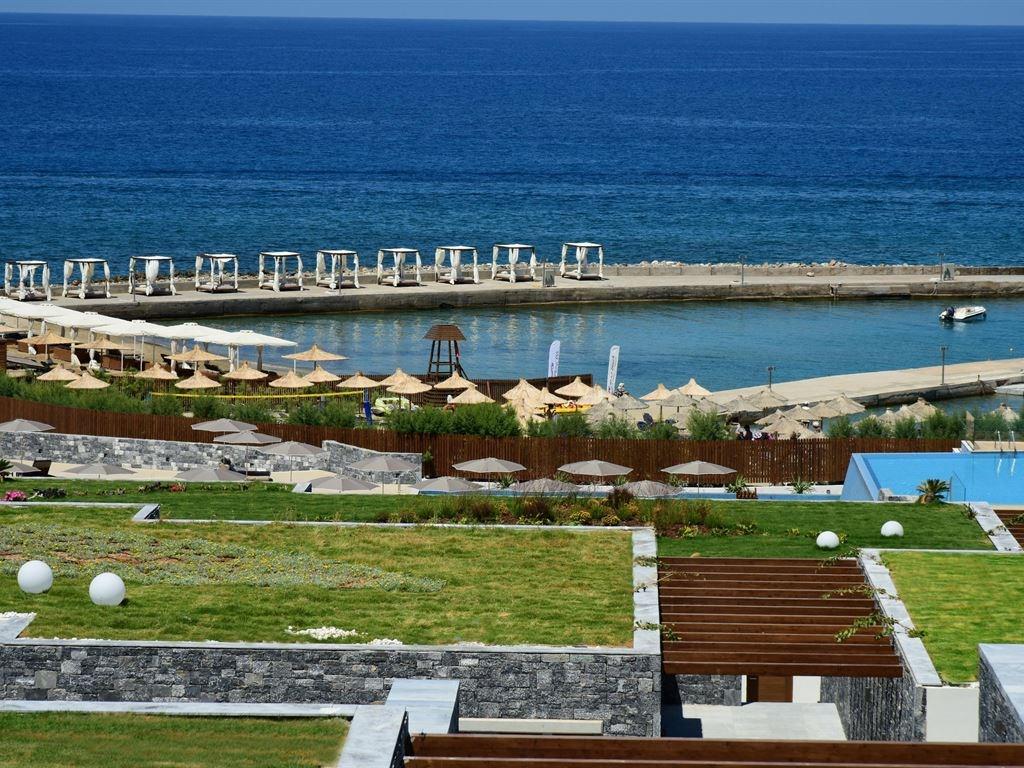 пирс отеля Nana Princess Suites Villas & Spa