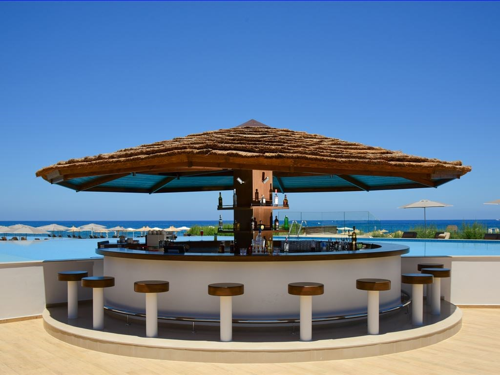 бар отеля Nana Princess Suites Villas & Spa