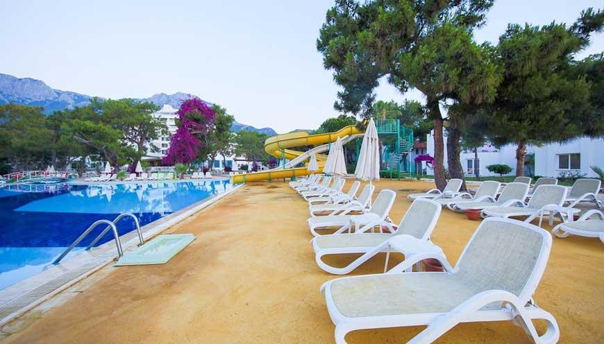 водные горки отеля TUI FUN & SUN Comfort Beach Resort