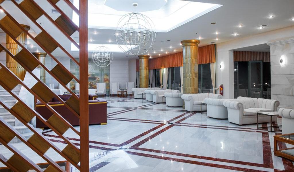 лобби отеля Rethymno Palace