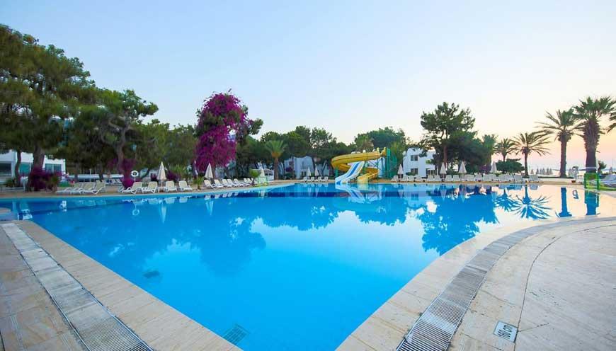 аквапарк отеля TUI FUN & SUN Comfort Beach Resort