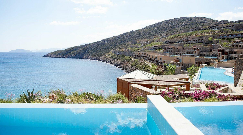 территория отеля Daios Cove Luxury Resort & Villas