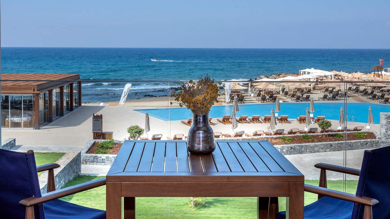 территория отеля Nana Princess Suites Villas & Spa