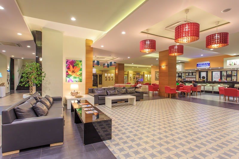 лобби отеля Orka Sunlife Resort & Spa