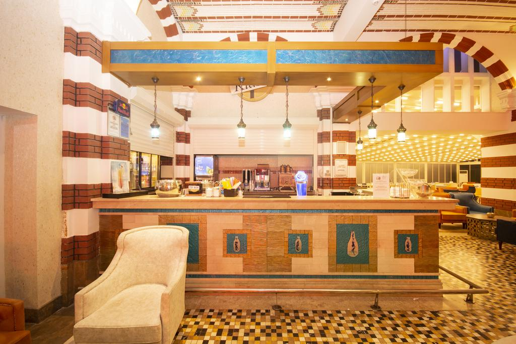 бар отеля Orange County Resort Kemer