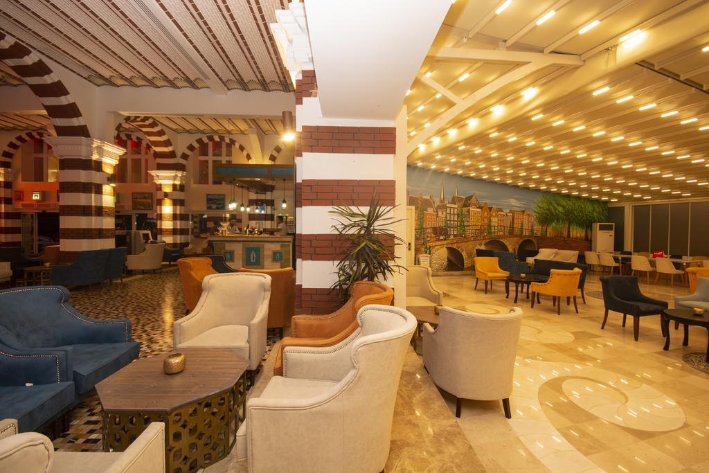 лобби отеля Orange County Resort Kemer