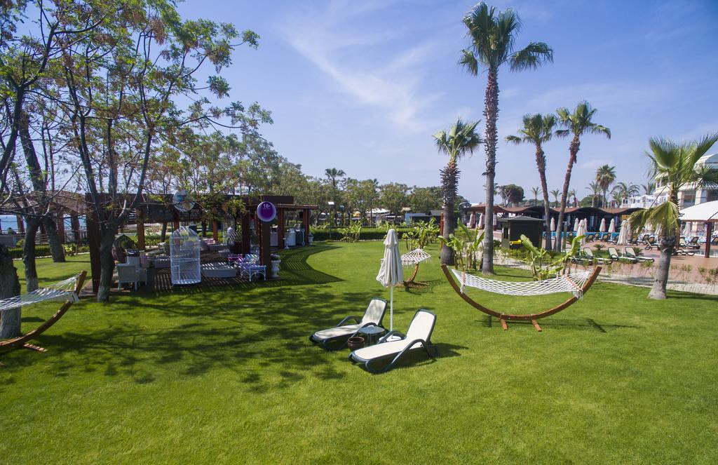 зона для взрослых отеля TUI FUN&SUN Club Belek
