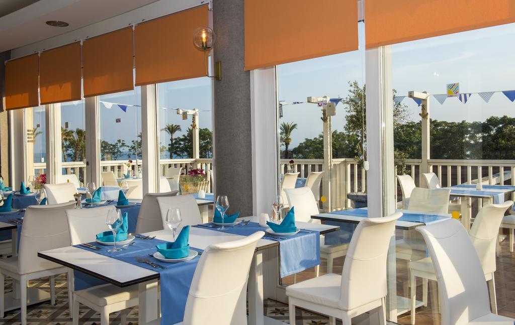 ресторан отеля TUI FUN&SUN Club Belek