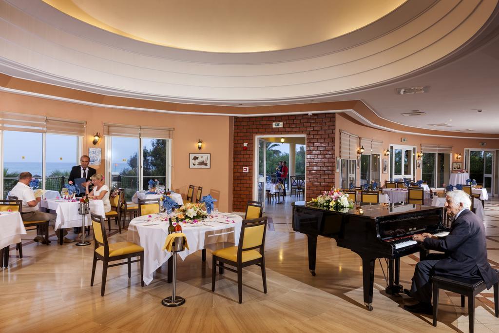 ресторан отеля TUI Magic Life Africana