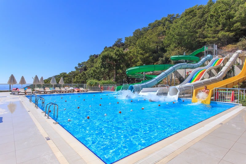 водные горки отеля Orka Sunlife Resort & Spa