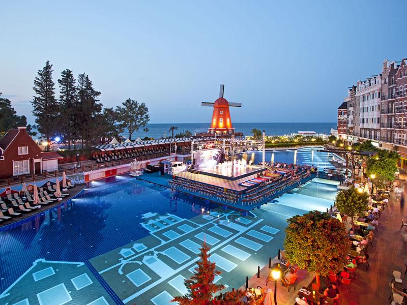 бассейн отеля Orange County Resort Kemer