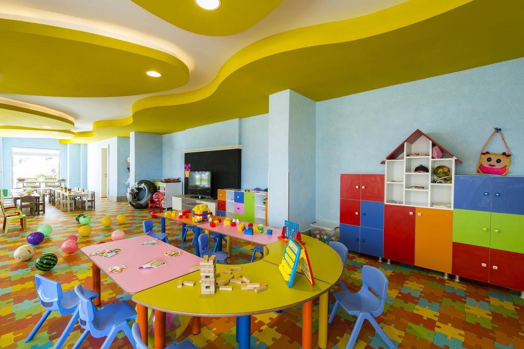 детский клуб отеля Grand Park Lara