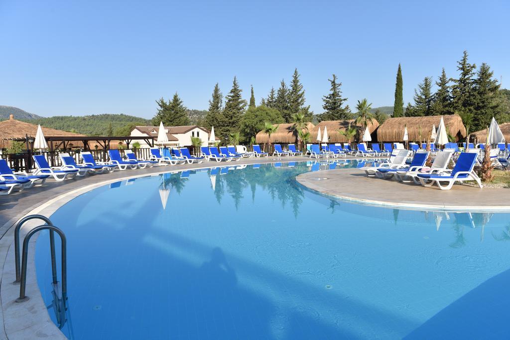 бассейн отеля Sahra Su Holiday Village & Spa