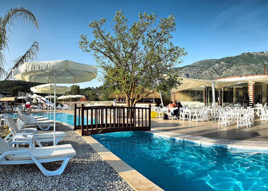 территория отеля Sahra Su Holiday Village & Spa