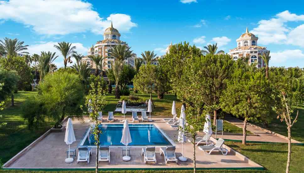 бассейн отеля Delphin BE Grand Resort