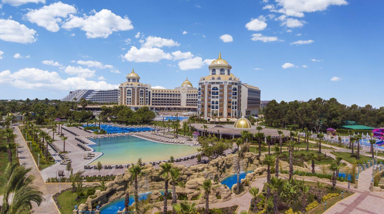общий вид на территорию отеля Delphin BE Grand Resort