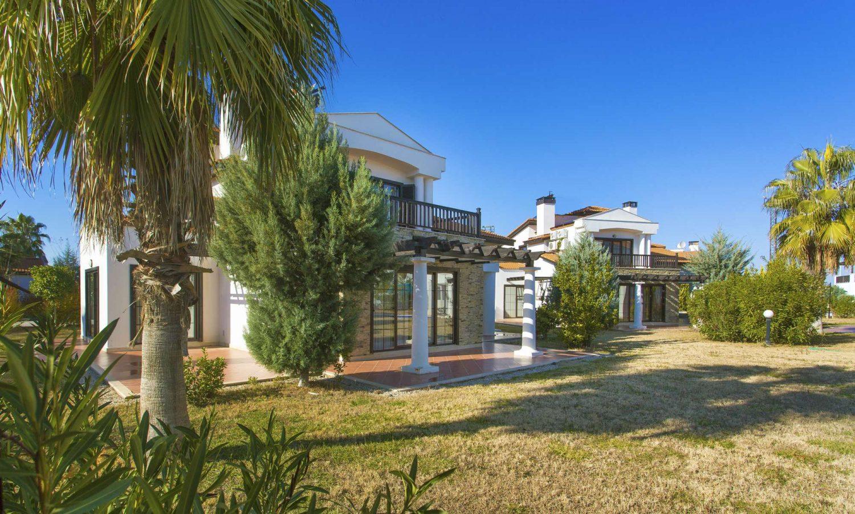 корпуса отеля TUI FUN&SUN River Resort Belek