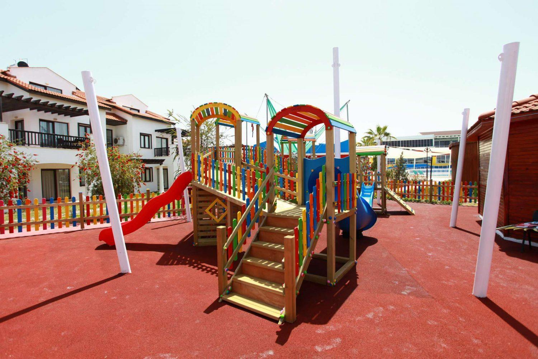 детская площадка отеля TUI FUN&SUN River Resort Belek