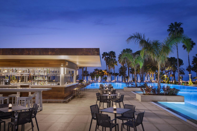бар возле бассейна отеля Barut Acanthus & Cennet