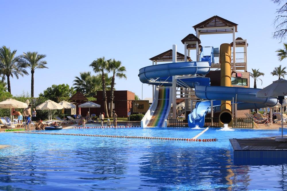 водные горки отеля TUI FUN&SUN Club Belek