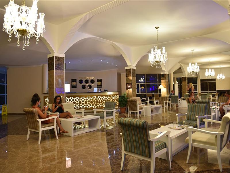 лобби отеля Sahra Su Holiday Village & Spa