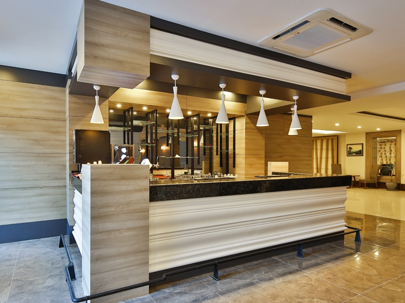 бар отеля Throne Seagate Belek Hotel